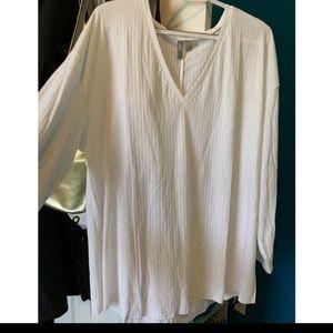Long sleeve white v neck shirt